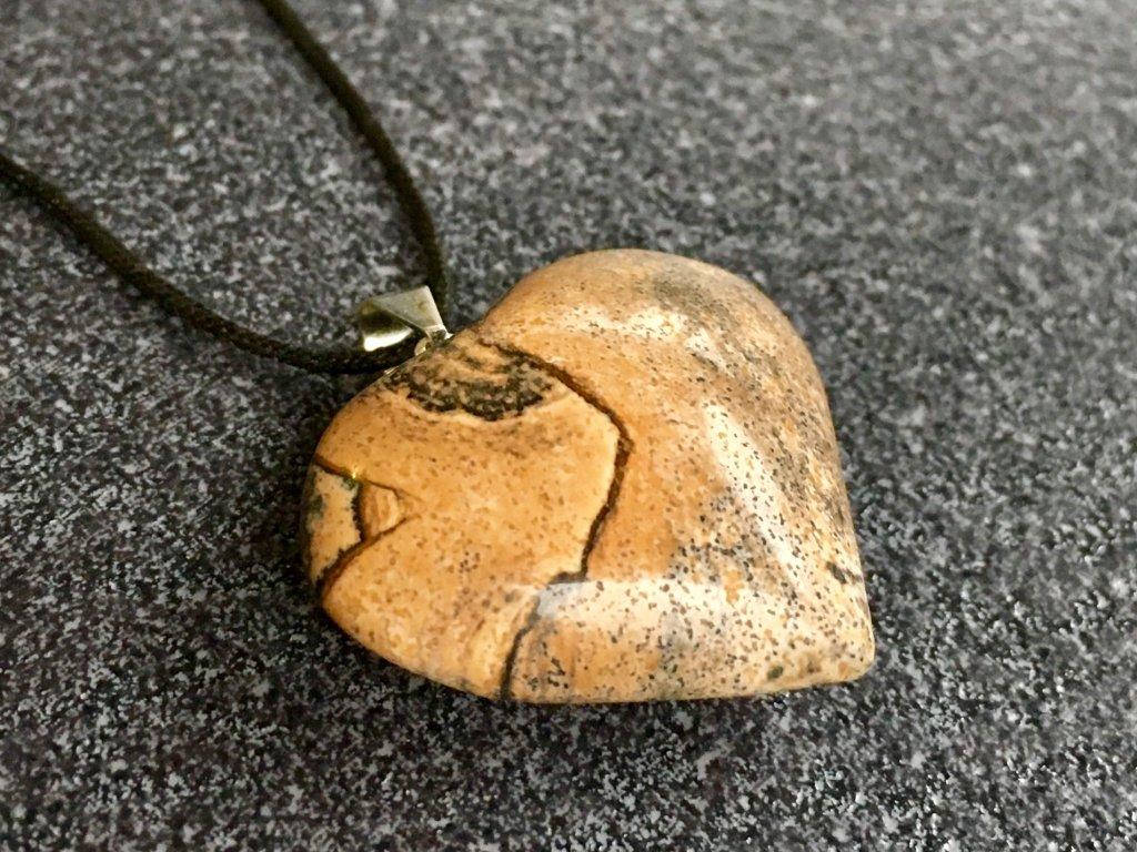 přívěsky z minerálů, jaspis obrázkový přívěsek srdce