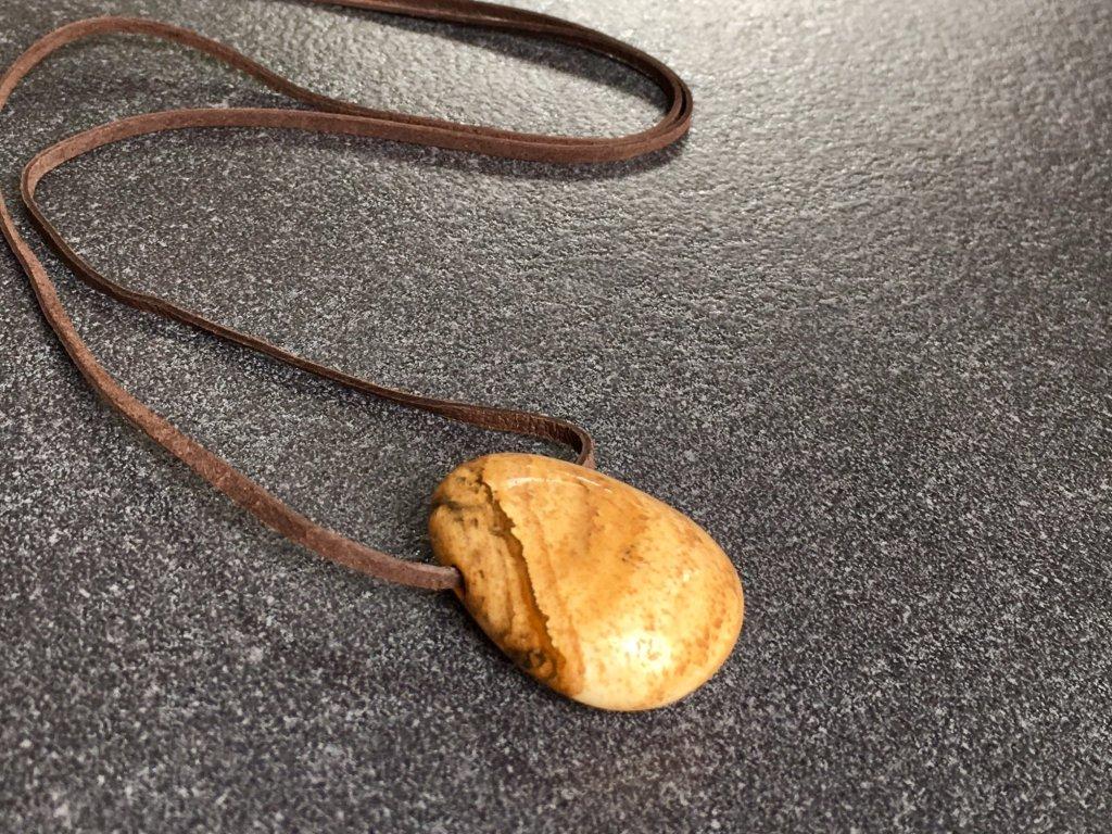 přívěsky z minerálů, jaspis obrázkový přívěsek vrtaný