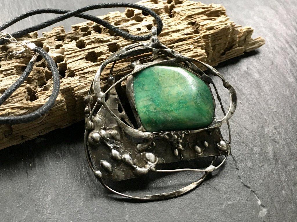 chalcedon náhrdelník cínovaný