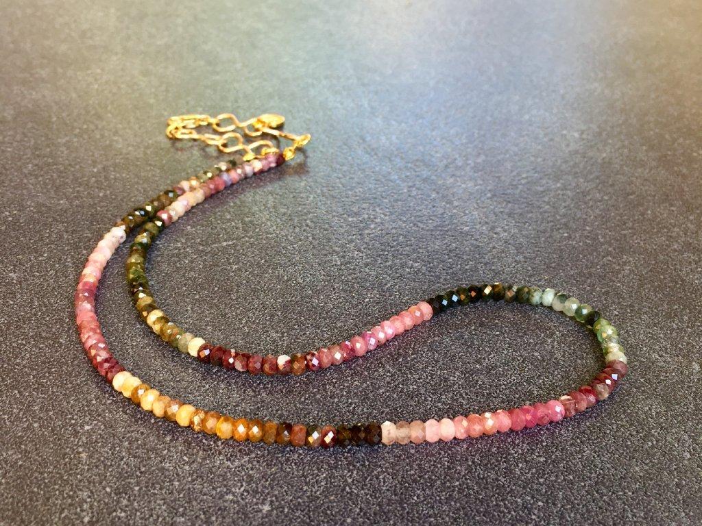 náhrdelníky z minerálů, turmalín, náhrdelník