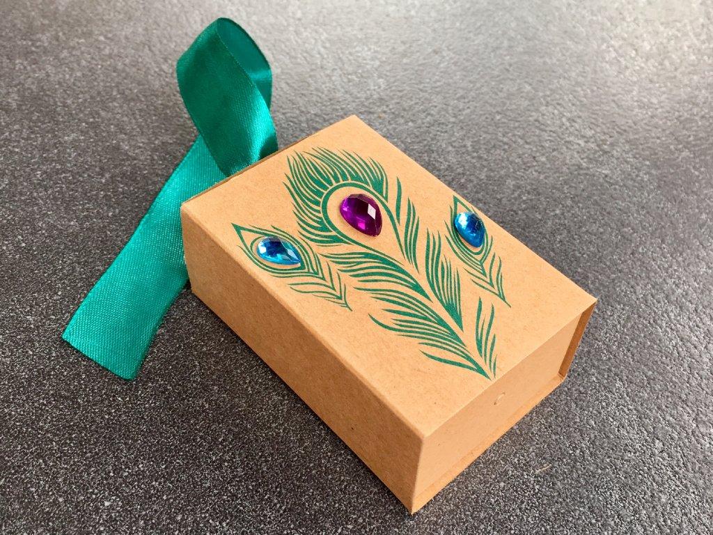 dárková papírová krabička