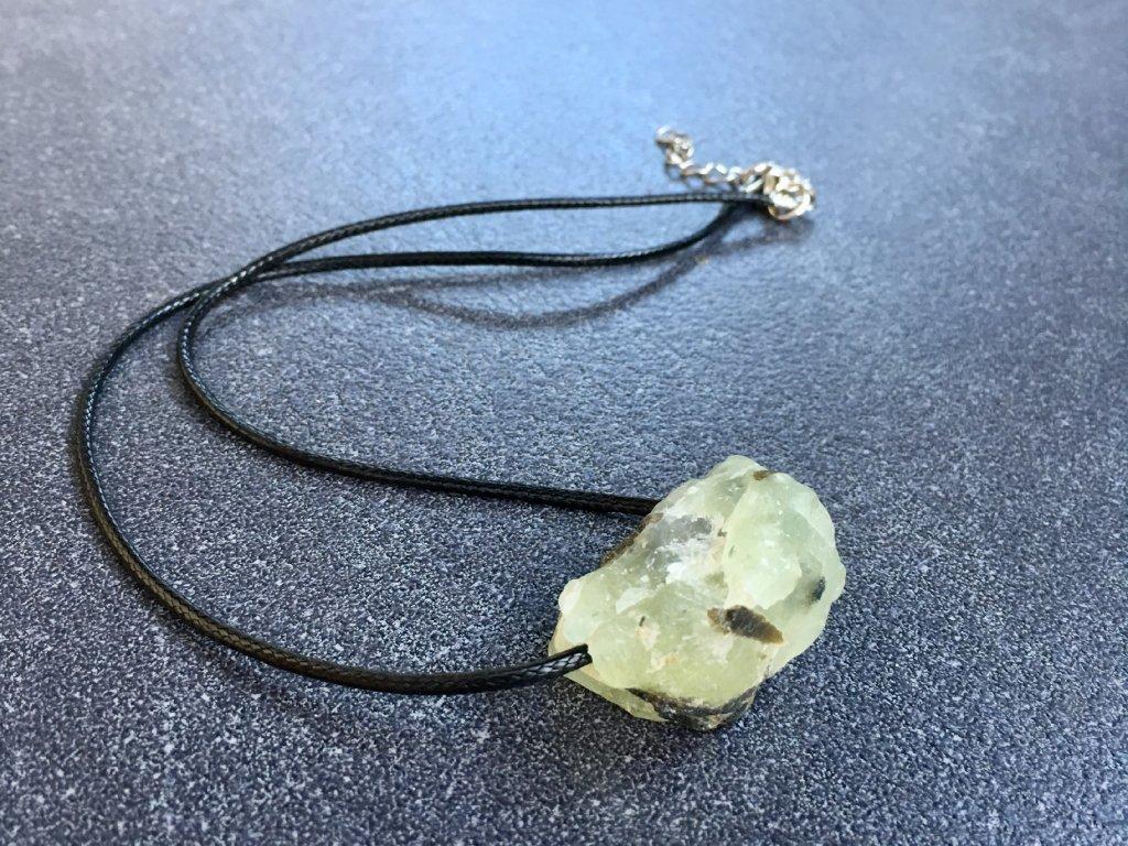 náhrdelníky z minerálů, prehnit surový náhrdelník