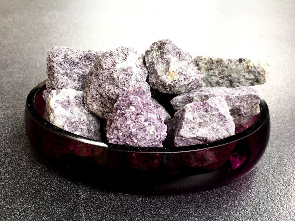 surové minerály, lepidolit surový