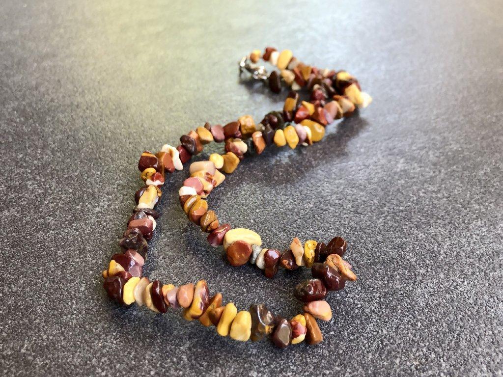 Mookait náhrdelník sekaný - 45 cm