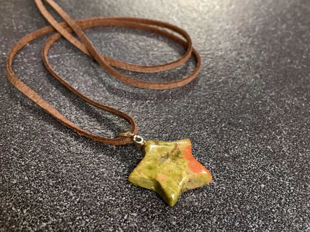 přívěsky z minerálů, unakit přívěsek hvězdička