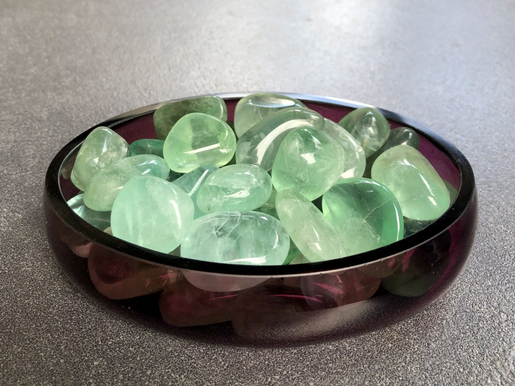 tromlované minerály, fluorit zelený troml