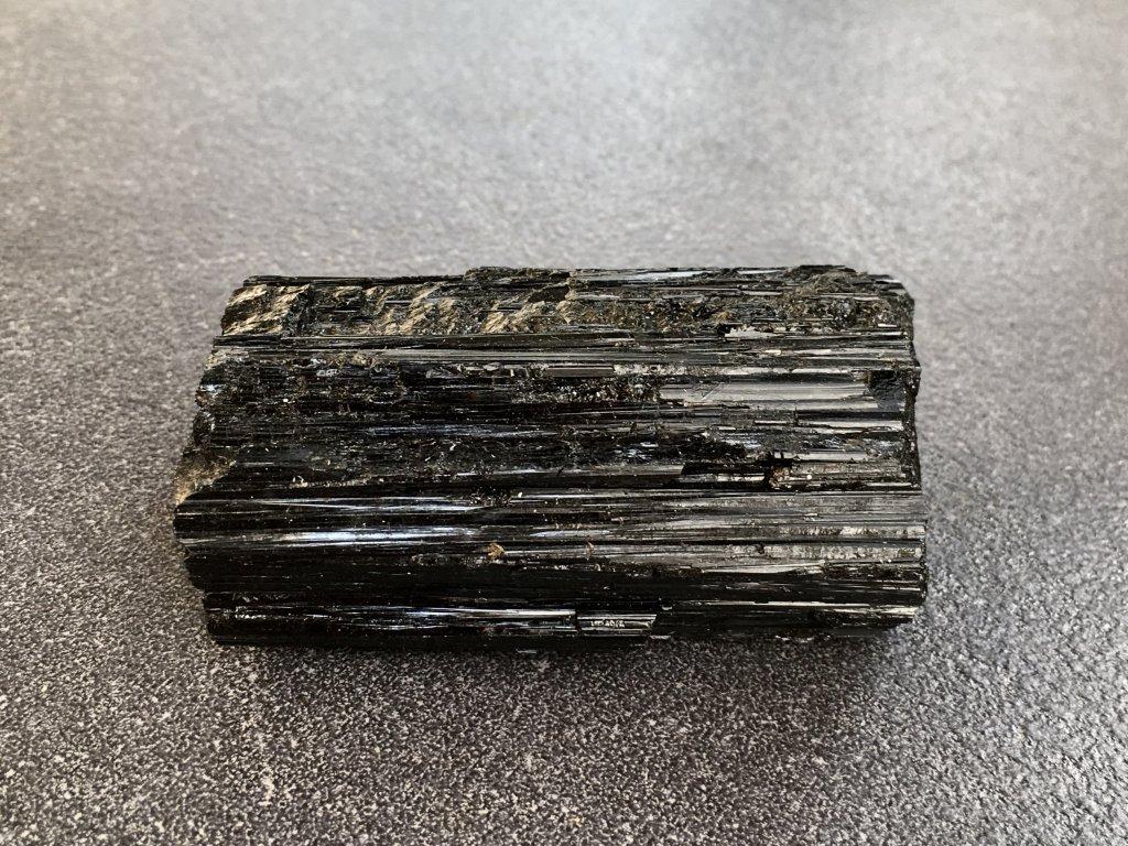 surové minerály, turmalín surový