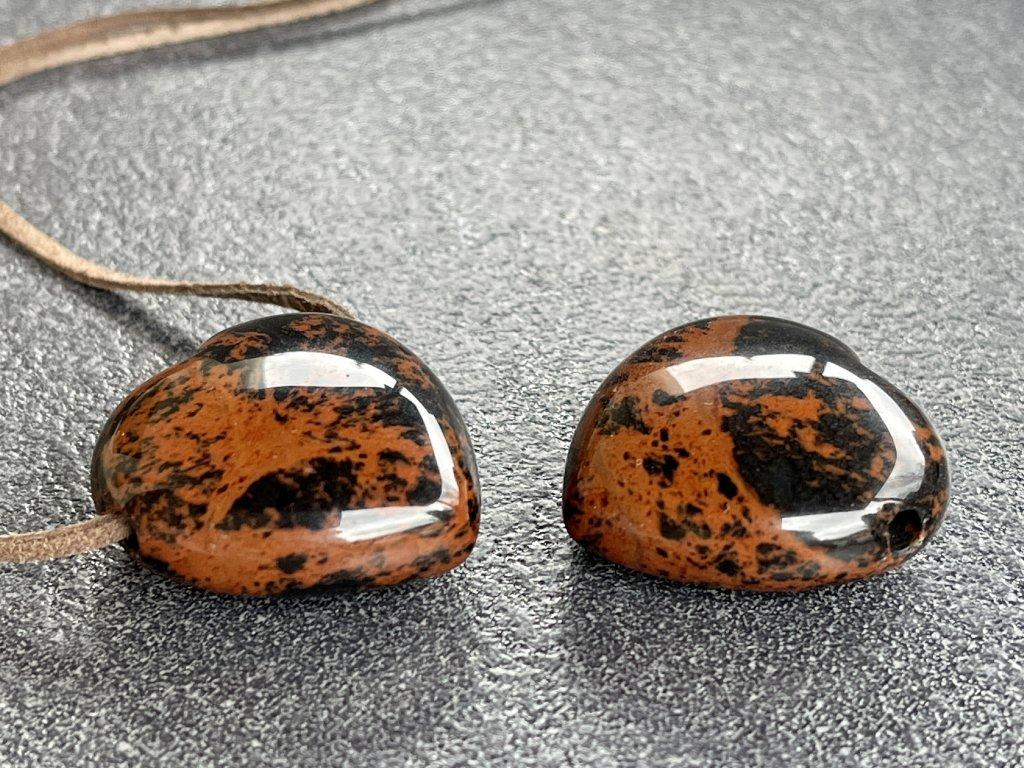 obsidián mahagon