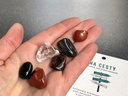 balíček kamínků do auta
