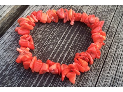 Korál oranžový náramek sekaný