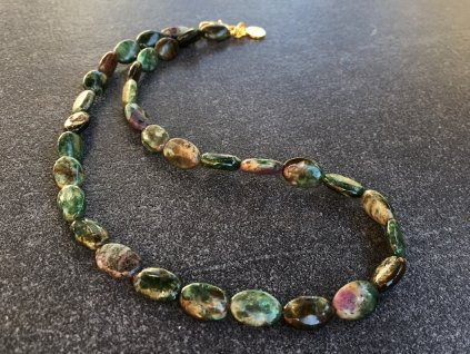 náhrdelníky z minerálů, smaragd náhrdelník