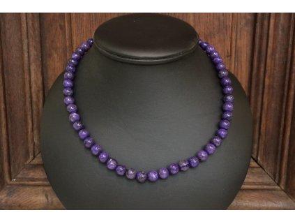 čaroit náhrdelník