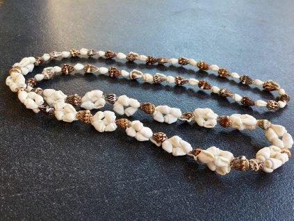 mušle náhrdelník