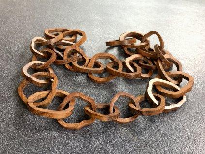 náhrdelník z ebenového dřeva