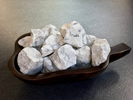 magnezit surový