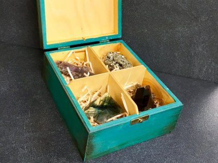 dárková kazeta pyrit, záhněda, aragonit, labradorit
