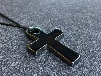 hematit křížek přívěsek