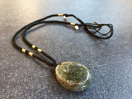 náhrdelníky a přívěsky z minerálů, labradorit