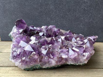 ametyst drúza, kalcit krystaly