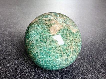 koule z minerálů, amazonit