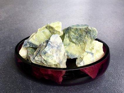surové minerály, serpentinit surový