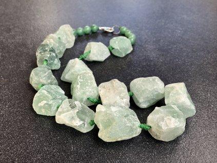 náhrdelníky z minerálů, fluorit surový náhrdelník