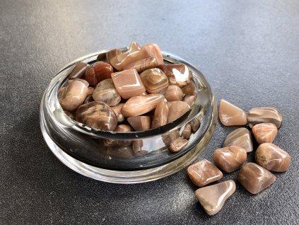 tromly z minerálů, měsíční kámen hnědý troml
