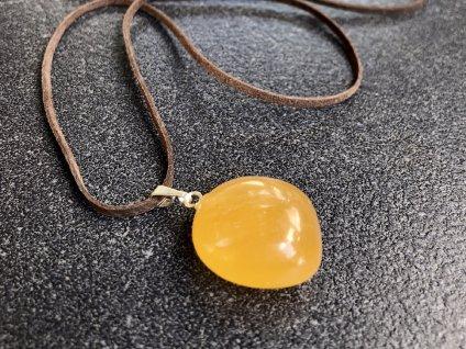 přívěsky z minerálů, kalcit medový, oranžový přívěsek troml