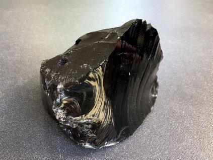 surové minerály, obsidián černý surový