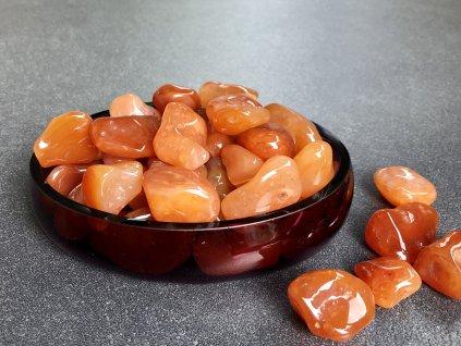 tromly z minerálů, karneol troml