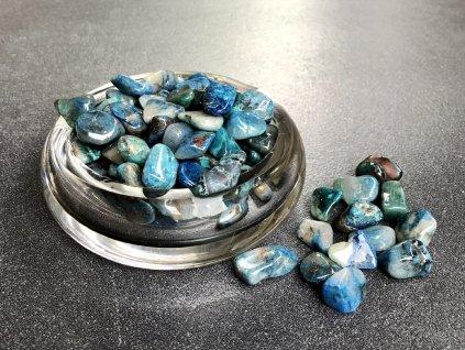 tromly z minerálů, shattuckit