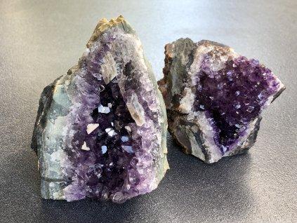 drúzy z minerálů, ametyst drúza se základnou