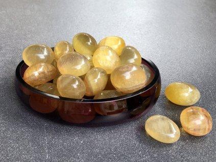 tromly z minerálů, fluorit žlutý, troml