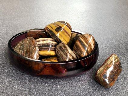 tromly z minerálů, jaspis páskovaný troml
