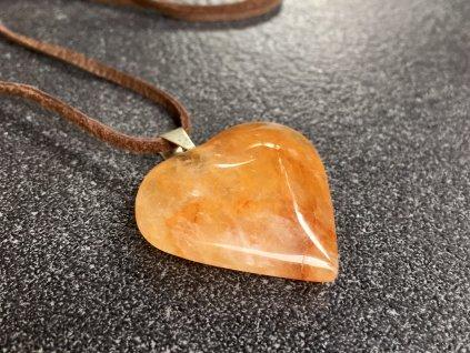 přívěsky z minerálů, křemen přívěsek srdce