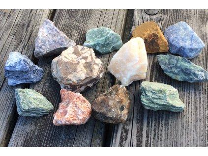 Balíček surových kamenů