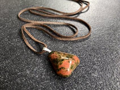 přívěsky z minerálů, unakit přívěsek křížek