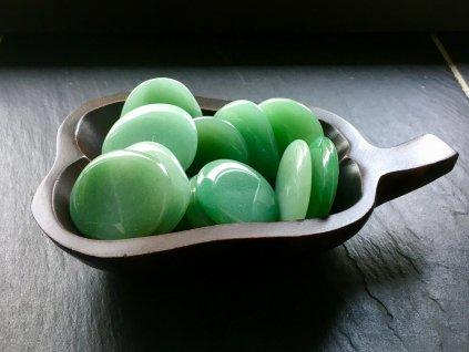 minerál do ruky - avanturín zelený