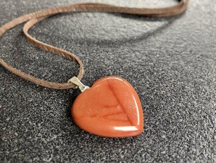 přívěsky z minerálů, jaspis červený přívěsek srdce