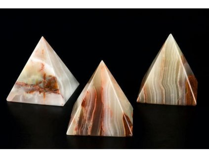 pyramida onyx