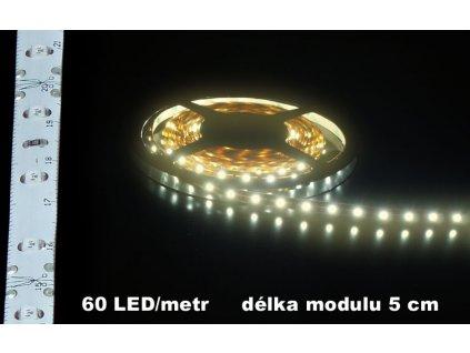 LED Pásek 12V teple bílý IP65 bílé pozadí voděodolný 300lm 5cm