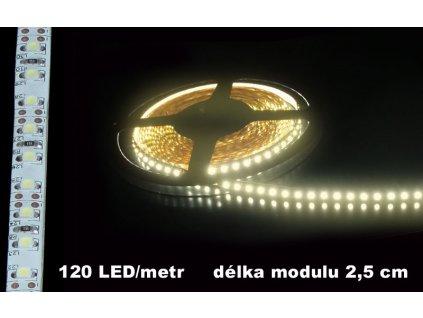 LED Pásek 12V teple bílý IP65 120LED bílé pozadí voděodolný 580lm