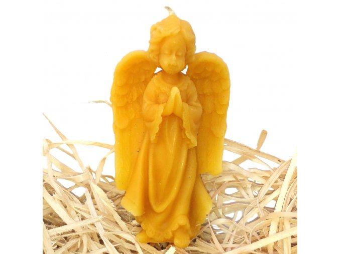 Svíčka ze včelího vosku - stojící a modlící se andílek