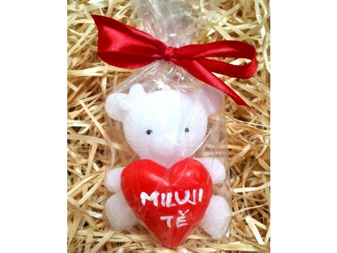 Svíčka medvídek s malovaným srdcem - MILUJI  TĚ