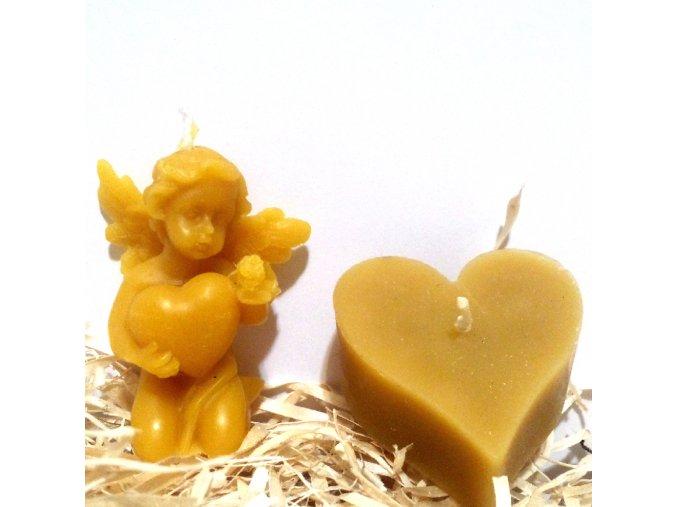 Sada svíček ze včelího vosku - klečící andílek se srdcem + srdíčko