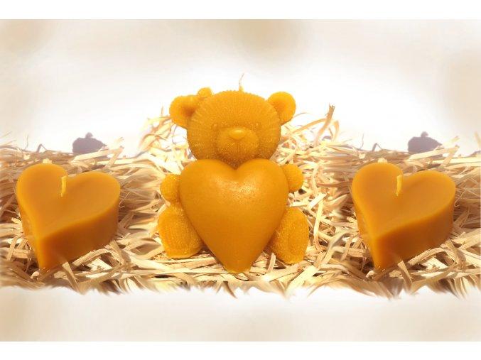 Sada tří svíček ze včelího vosku – medvídek se srdcem + dvě srdíčka