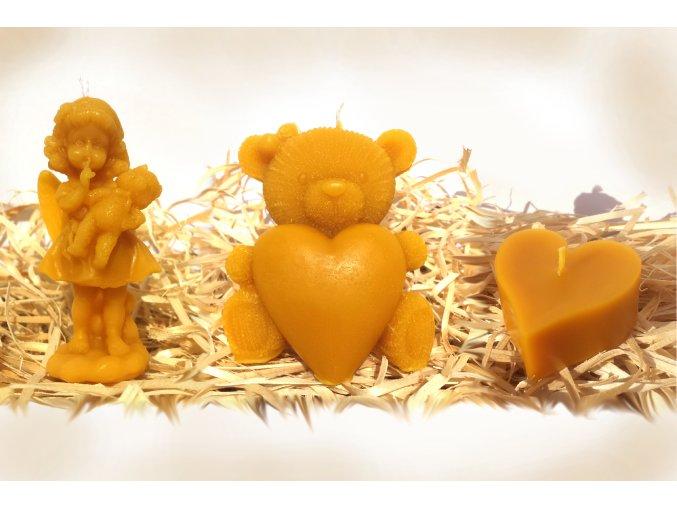 Sada tří svíček ze včelího vosku – andělka s medvídkem + medvídek se srdcem + srdíčko