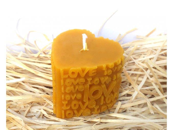 Svíčka ze včelího vosku - 3D srdce s nápisy LOVE