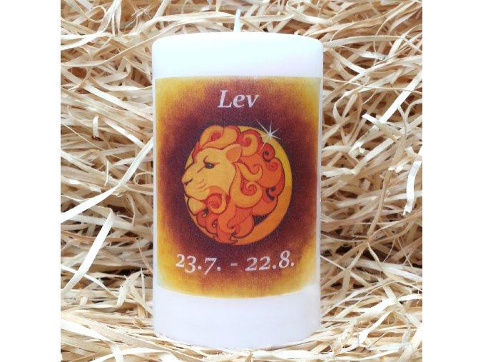 Svíčka se znamením zvěrokruhu - lev - 11,5 x 7 cm - oranžová