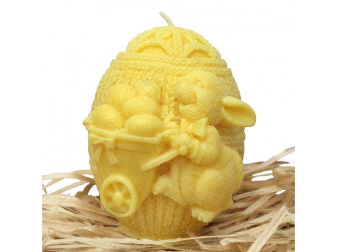 Svíčka s reliéfem - zajíček na vajíčku s trakařem 8 cm žlutý